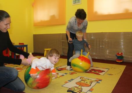 Развивающие занятия в детском клубе Божья коровка Москва